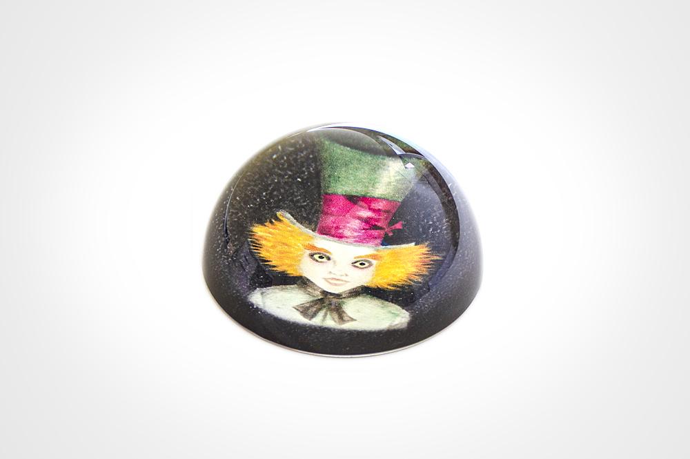 Pisapapeles de cristal efecto lupa Sombrerero loco